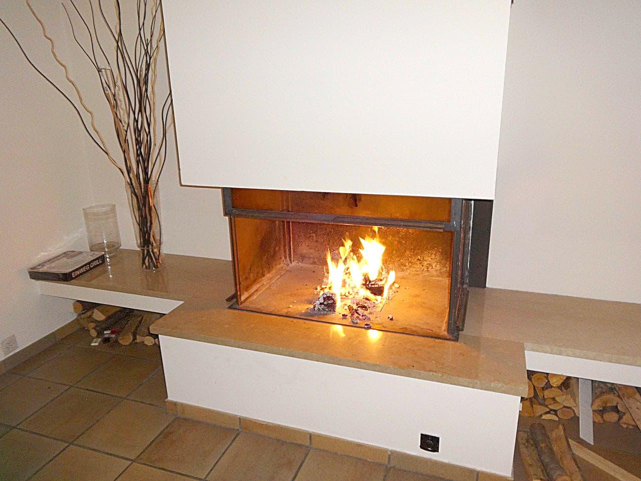 Kein Spiel mit dem Feuer: Kamin- und Kachelöfen umweltfreundlich nutzen